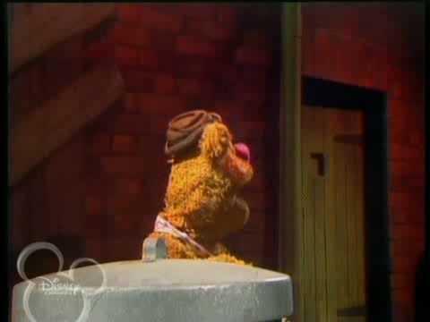 The Muppet Show. Fozzie Bear - Green Door (s04 ep22)
