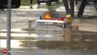 【さすが日本製】いすゞ消防車 水没するも緊急走行 【the Powerful Japanese fireengine 】
