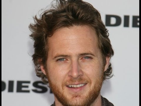 A J  Buckley Hairstyles