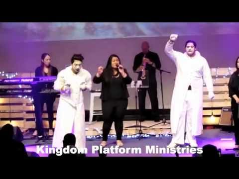 BREAK EVERY CHAIN - BY THE URBAN PRAISE AT THE OVERCOMERS CONFERENCE MELBOURNE