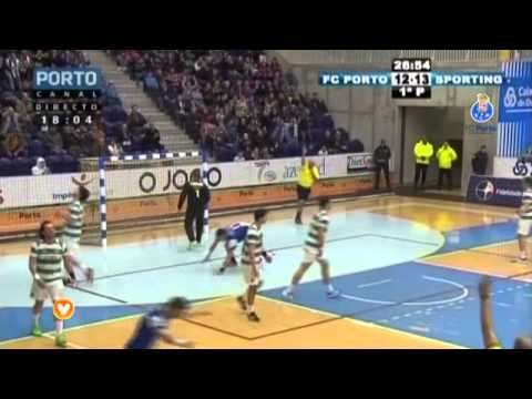 Andebol: Madeira SAD-FC Porto, 20-29 (Andebol 1, fase final, 8.ª jornada, 21/05/2019) from YouTube · Duration:  2 minutes 14 seconds