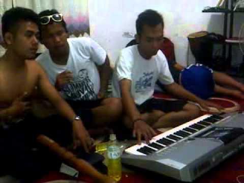 Arang Tampurung Gunawan Tison Amsal (Ethno Trio)
