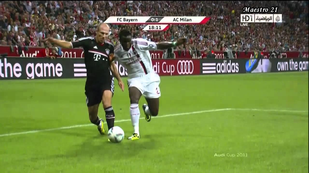 Download Taye Taiwo vs Arjen Robben - 26/07/2011