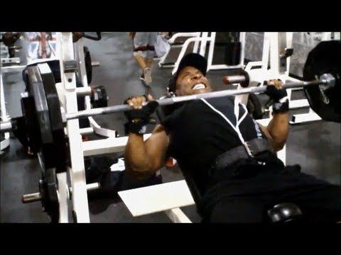 Big Pecs & Traps Will Get You Laid ASAP: Chest & Traps Routine