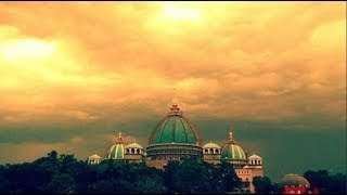 Храм Ведического Планетария возвышается в Маяпуре