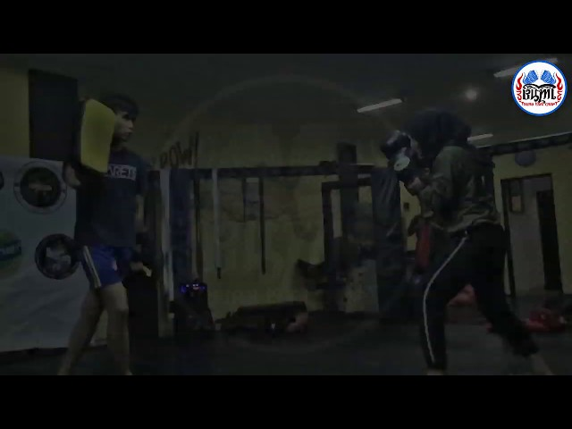 How to Throw Superman Punch - Bumi Muay Thai Bandung