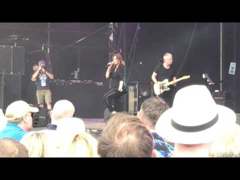 Belinda Carlisle I Get Weak - live Let's Rock Norwich June 2017