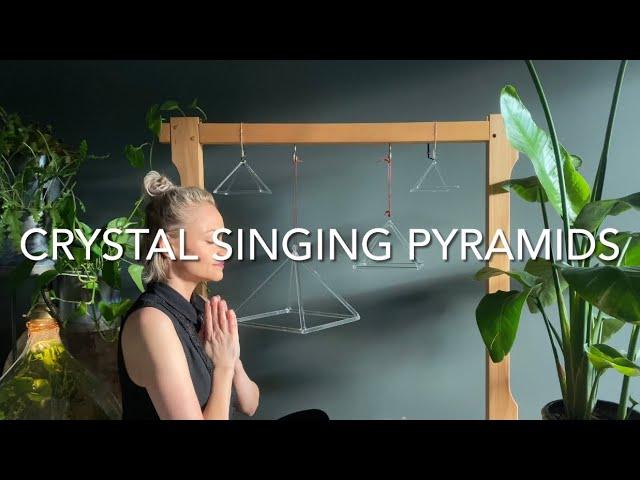 Homyl 7 Clear Quartz Crystal Singing Pyramid C Note Singing Pyramid for Meditation Heart Peace