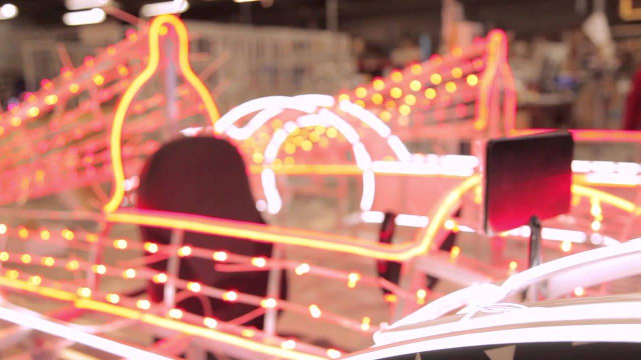 une voiture lumineuse aux 24 heures du mans film de l 39 inauguration youtube. Black Bedroom Furniture Sets. Home Design Ideas