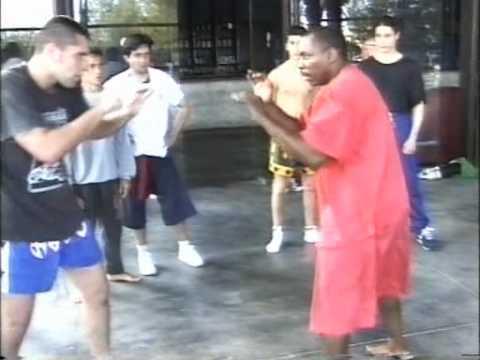 Muay Thai - Master Ronnie Green