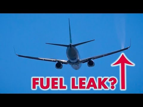 Is this Boeing 737 leaking on takeoff?