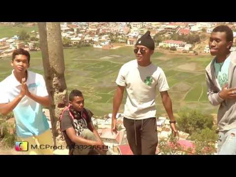 kht man & Rixtah-mbola miandry. Official Rap gasy/new-clip gasy 2K17 NOUVEAUTE