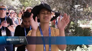 Sharing Jesus in Israel   Shelanu Channel on HOT Network