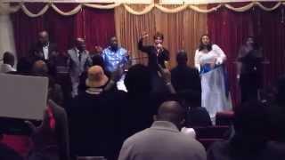 Napokea Kwako - Janet Otieno ft Christina shusho
