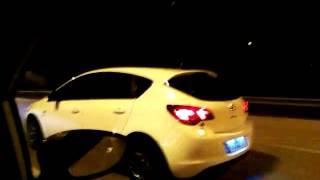 Opel Astra J 1.6T vs Fiesta St 1.6T