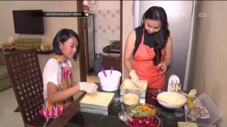 Endhita membuka bisnis kue