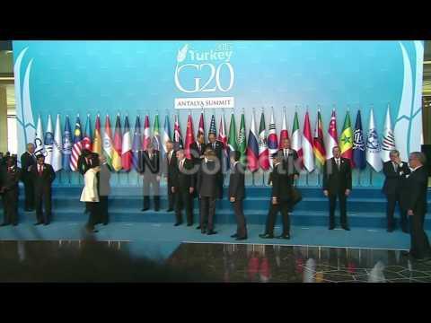 G20 SUMMIT-OBAMA CLASS PHOTO, HANDSHAKE W/PUTIN