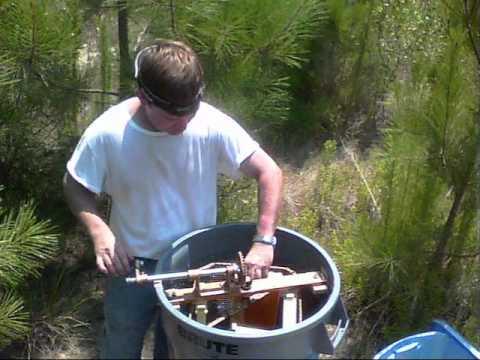 Field Honey Extraction (How I extract honey in the apiary)