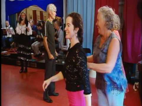 An Introduction to English Country Dance