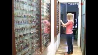 У Эммы в коллекции более 2000 игрушек из шоколадных яиц(, 2013-09-02T10:33:42.000Z)