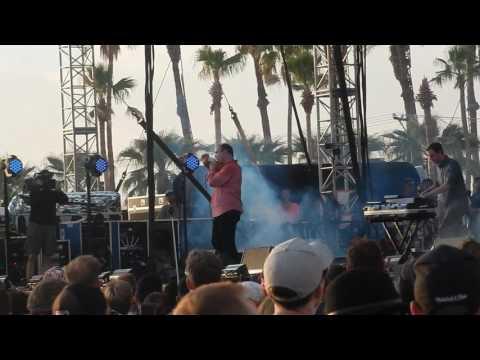 "Future Islands live ""Cave"" @ Coachella Outdoor Stage April 16, 2017"