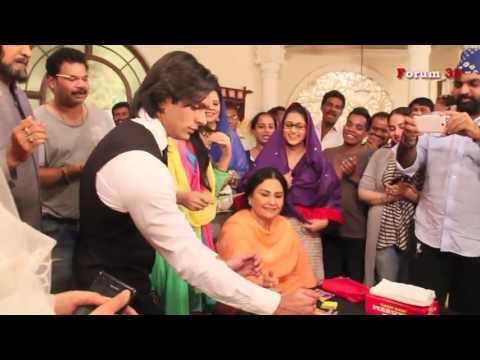 Qubool Hai - Celebration on Set on Completion of One Year of Telecast! | Screen Journal