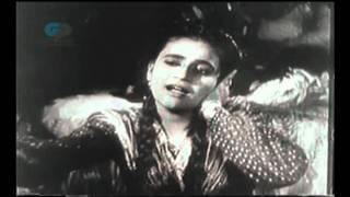 Aahen Na Bharin Shikve Na Kiye - Zeenat