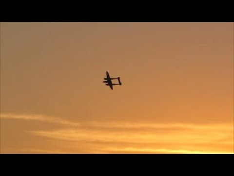 RC Lockheed P-38 Lightning Morning Flight