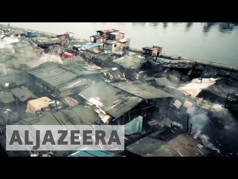 Tondo: Manila's largest slum - The space in between