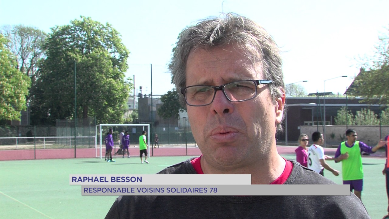 versailles-refugies-se-federent-sein-dune-equipe-de-football