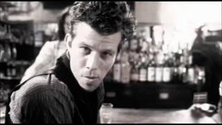 Tom Waits  - Singapore - Lyrics