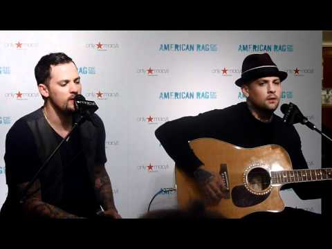 Hold On Acoustic Good Charlotte