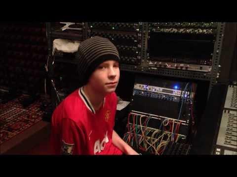 'Levi Henson's Project' Stronger - Soul Urban Poet Feat. Ellie Antonini
