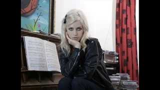 Watch Gin Wigmore Hallelujah video