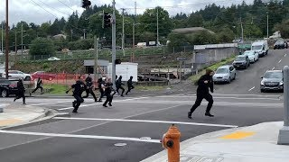 Portland: Police Chase Down Antifa After They Throw Rocks (20 Sept. 2019)