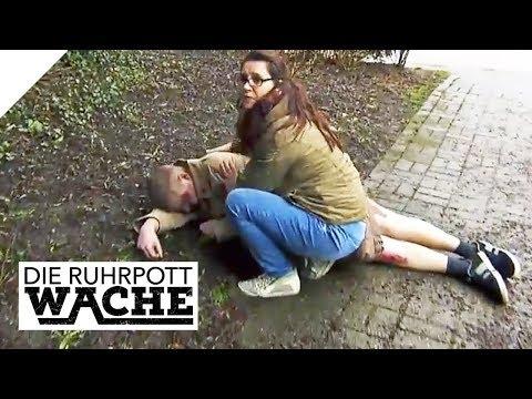 Mann trägt nur noch Unterwäsche - Ein Exhibitionist?   Die Ruhrpottwache   SAT.1 TV