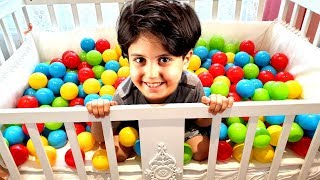 Sado and Little bro Ali are playing with colorful balls - Hide and Seek fun kids