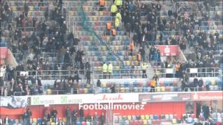 Repeat youtube video Fortuna Fans greifen Kölner im Oberrang an (Fortuna Düsseldorf - 1.FC Köln 2:3, 22.12.2013)
