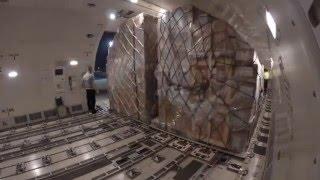 Boeing B-777F MainDeck Loading timelapse