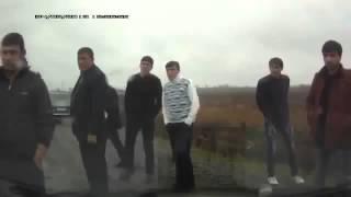 Наглые кавказцы устроили драку на дороге