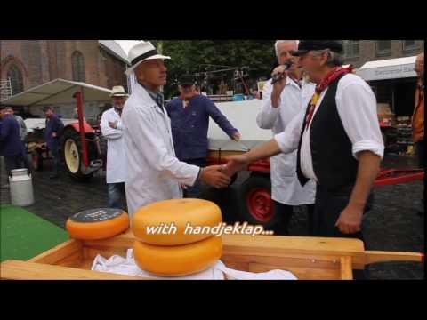 Verita's Visit to cheese market Woerden -  How to handjeklap