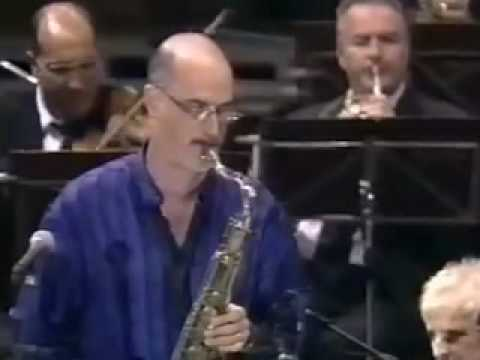 Michael Brecker premieres Psathas' sax concerto (1of3)