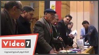 """بالفيديو.. السيد عبد الغنى رئيساً لـ""""العربى الناصرى"""" بـ224 صوتاً مقابل 54 لنشوى الديب"""