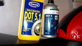 видео Тормозная жидкость ДОТ-4: какая лучше, состав. Какую тормозную жидкость заливать?