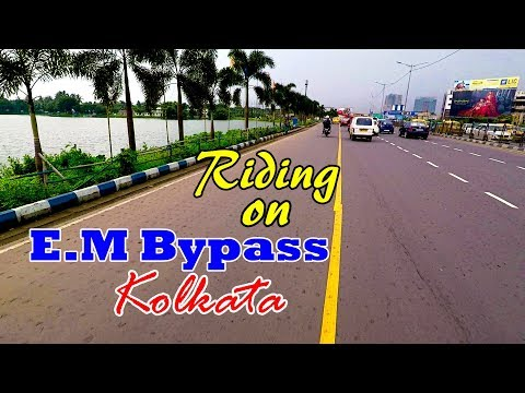 Riding on Kolkata's Best Road !!!
