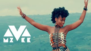 Смотреть клип Mzvee Ft. Yemi Alade - Come And See My Moda