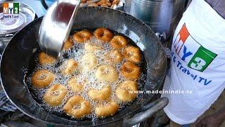 HOW TO  MAKE HOLE IN MEDU VADA   INDIAN BREAKFAST RECIPE   2017 STREET FOODS