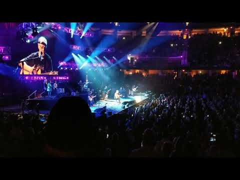 Bob Seger Final Tour 2018 - Cleveland -  Against the Wind -