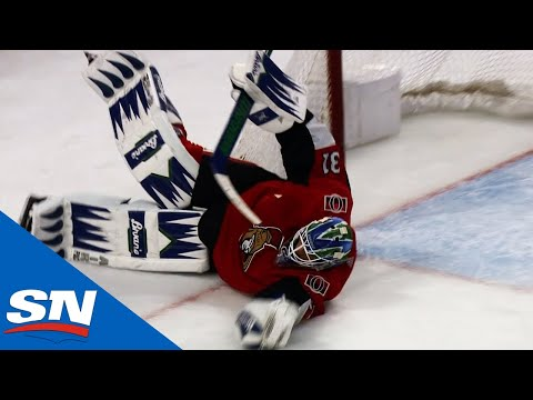 Anders Nilsson Makes 10-Bell Glove Save On Justin Williams