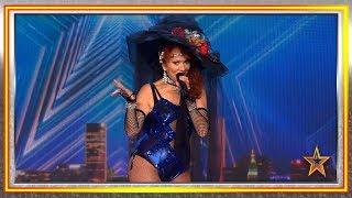 Demuestra que a sus 66 AÑOS puede ser MUY SEXY cantando | Audiciones 6 | Got Talent España 2019